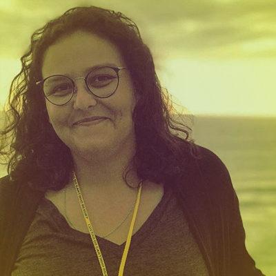 Fernanda Soares Canal das Bee
